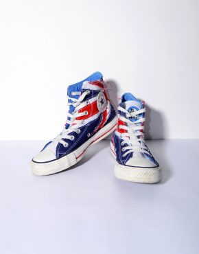 Converse uk flag women's