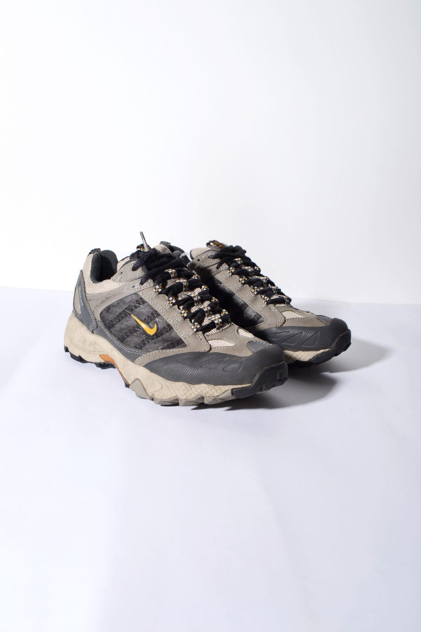 Nike ACG Gore Tex trail shoes womens  323e80c86d