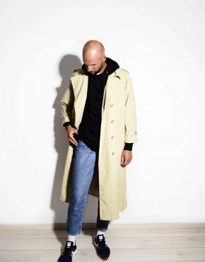 Classic vintage 90s beige trench coat