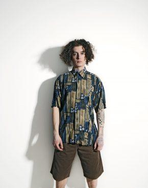 Retro abstract shirt