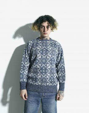 retro sweater blue white