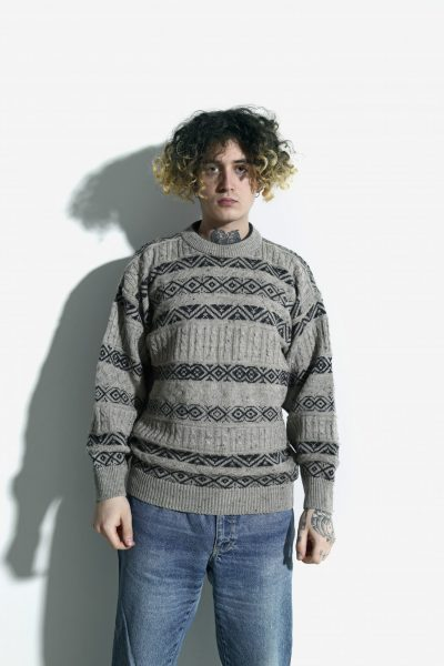 90s retro sweater beige