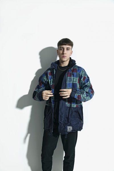 90s vintage hooded jacket