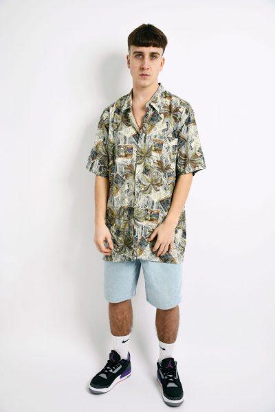 Hawaiian 90s pattern shirt