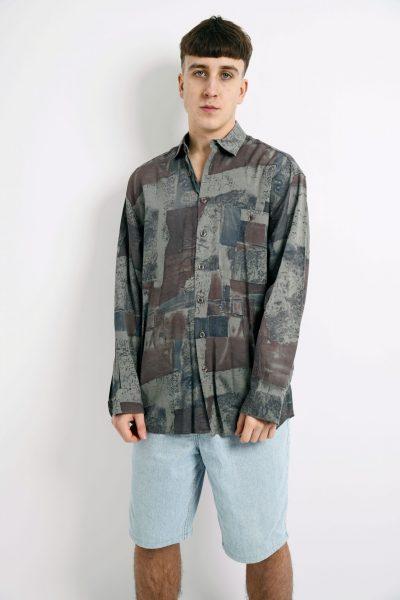 abstract long sleeve 90s shirt