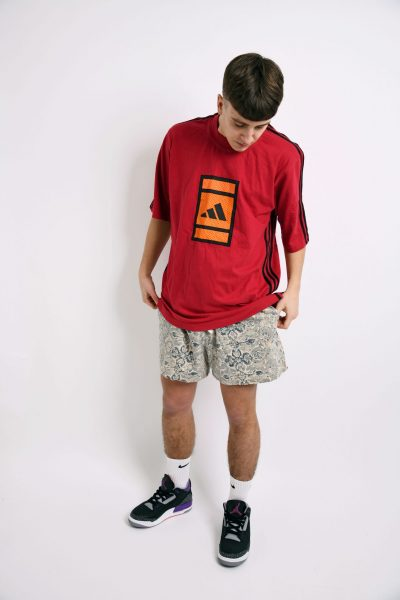 ADIDAS 90s red t-shirt